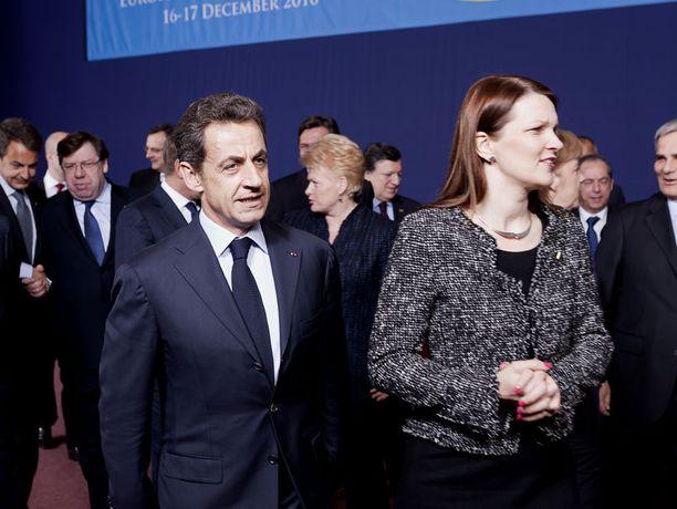 Ranskan presidentti Nicolas Sarkozy ja Suomen pääministeri Mari Kiviniemi osallistuivat EU-johtajien kokoukseen torstaina Brysselissä.