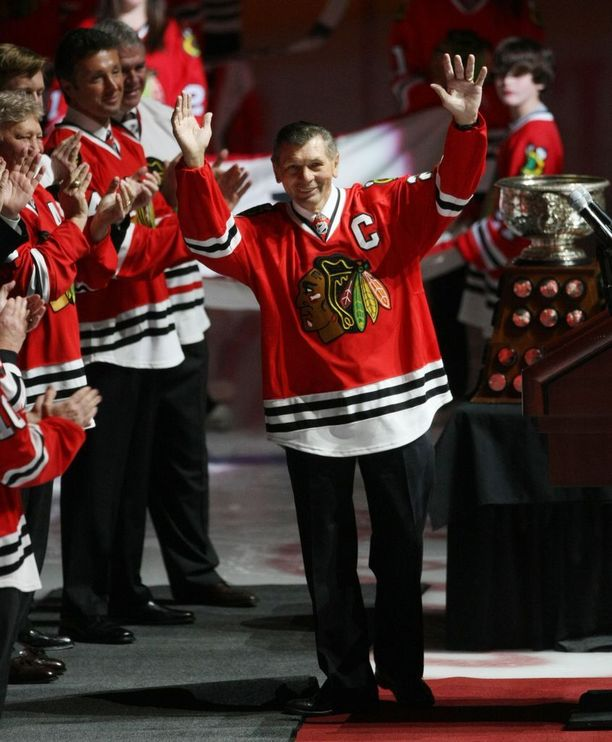 Chicago Blackhawksia koko NHL-uransa edustanut Stan Mikita, 78, on kuollut.