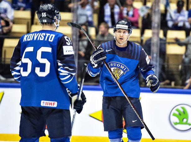 Veli-Matti Savinainen sähisi viime vuoden MM-kisoissa piste per peli -tahdissa (8, 4+4=8).