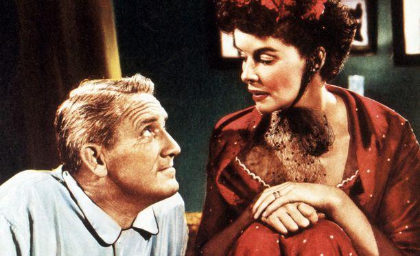 Spencer Tracyn (1900-1967) ja Katharine Hepburnin (1907-2003) neljännesvuosisadan jatkunutta suhdetta kuvailtiin vuosisadan romanssiksi. Hepburnin kuoleman jälkeen suhde on kuitenkin alettu nähdä toisenlaisessa valossa.