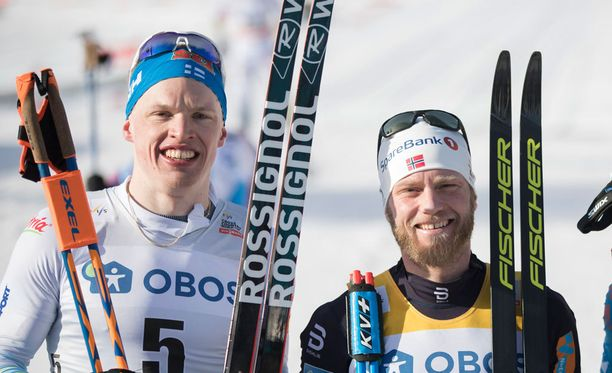 Iivo Niskanen ja Martin Johnsrud Sundby kävivät hurjan taistelun Holmenkollenin herruudesta.