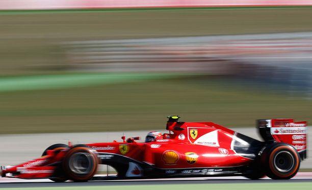 Kimi Räikkösellä oli ongelmia auton päivitysten ja renkaiden kanssa.