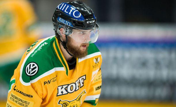 Mikael Kuronen kurmotti KooKoota hirmutehoin 3+1.