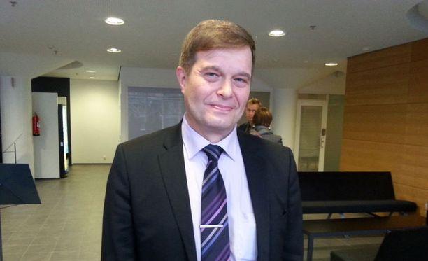 Kari Tolvanen kertoi, että sukupuolineutraalia avioliittolakialoitetta varten kuultiin yli 60 asiantuntijaa.