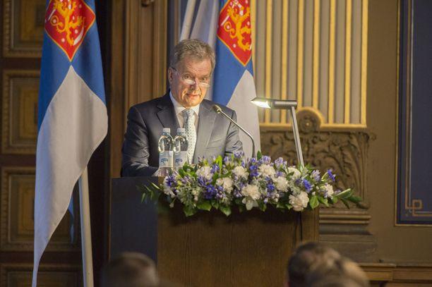 Presidentti Sauli Niinistö puhui viimeksi maanpuolustuskurssin avajaisissa marraskuussa 2016. Kyseessä oli kurssi 219.