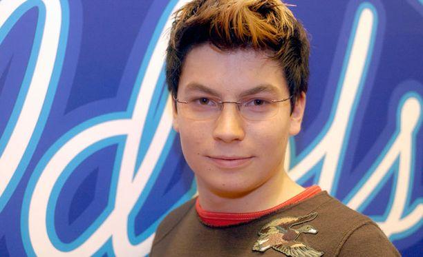 Antti Tuiskun tyyliä vuodelta 2003.