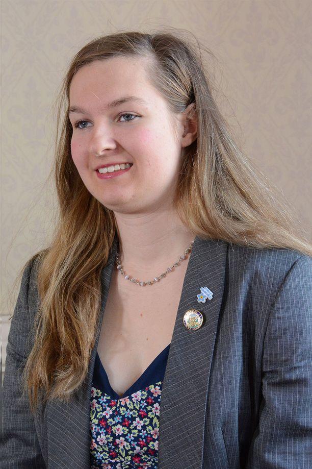 Clarissa Slade pääsi 18 vuoden ja kahden kuukauden ikäisenä valtuuston jäseneksi.