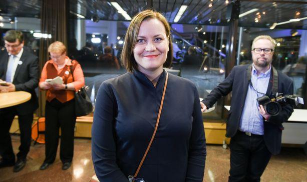 Katju Aro toimi viiden vuoden ajan Feministisen puolueen puheenjohtajana. Aro kuvattuna vuonna 2017, jolloin puolue sai ensimmäisen paikkansa Helsingin kaupunginvaltuustossa.