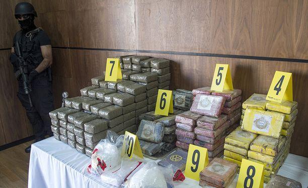 Marokossa saatiin takavarikoitua maanantaina 2,5 tonnia kokaiinia, joka oli salakuljetettu Saharan läpi.