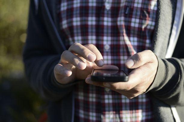 Halvimmillaan puhelinliittymän kanssa saattaa päästä jopa alle 10 eurolla kuukaudessa. Yleensä edullisimpien liittyen yhteydet eivät peruskäyttäjälle kuitenkaan riitä joko datakaton tai nopeusrajoitusten vuoksi.