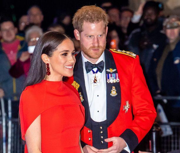 Prinssi Harry ja herttuatar Meghan ovat menettämässä viimeisetkin kuninkaalliset tehtävänsä.