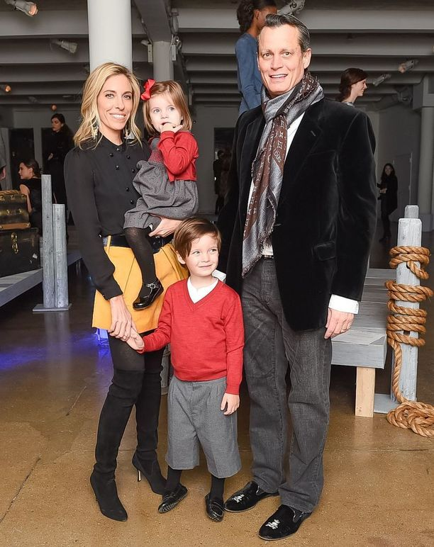 Matthew Mellon yhdessä toisen vaimonsa Nicole Hanleyn ja heidän kahden lapsensa kanssa vuonna 2015. Pari erosi joitakin kuukausia kuvan ottamisen jälkeen.