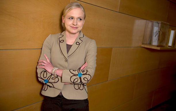 Elina Lepomäki oli mukana kokoomuksen puheenjohtajakisassa.