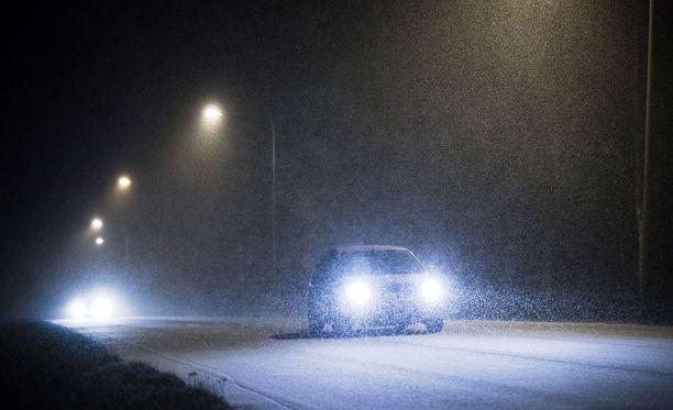 Meteorologi varoittaa arvaamattomasta ajokelistä torstain aikana.