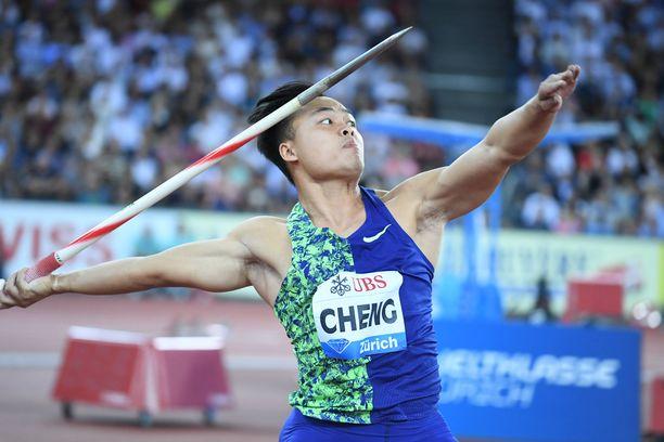 Chao-Tsun Cheng on 177-senttinen 77-kiloinen keihäänheittäjä.