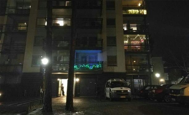 Huoneistopalo vaati neljä kuolonuhria Helsingin Vuosaaressa 9.12.2016.