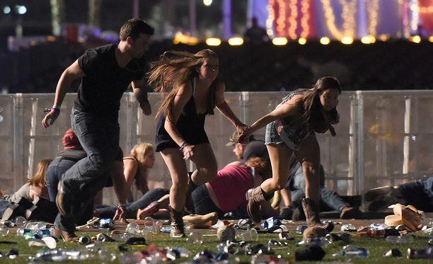 Kun ammuskelu alkoi, kaupungissa levisi paniikki.