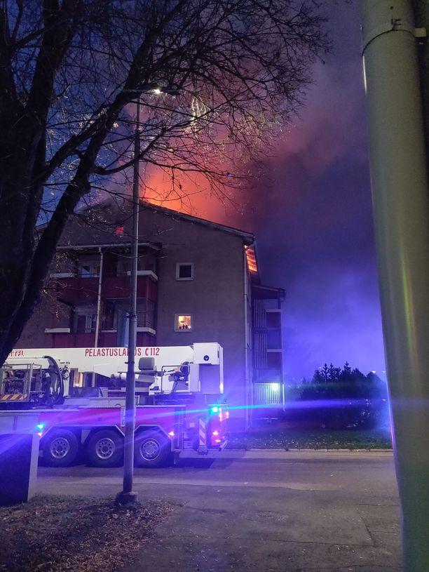 Talon ullakolla paloi.