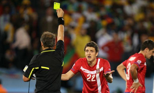 Zdravko Kuzmanovic sai virheestään keltaisen kortin.