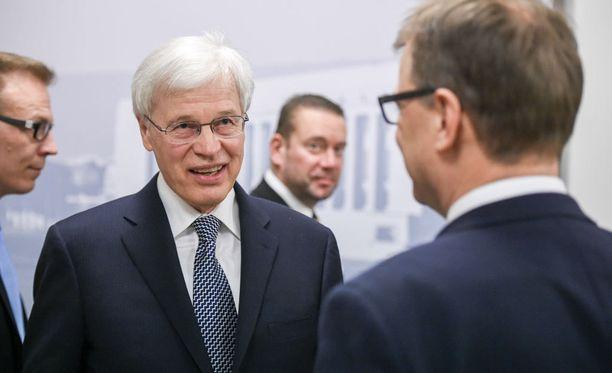 Holmströmin keskeinen viesti kansanedustajille oli, että julkiselle sektorille ei voi soveltaa yksityisen sektorin oppeja.