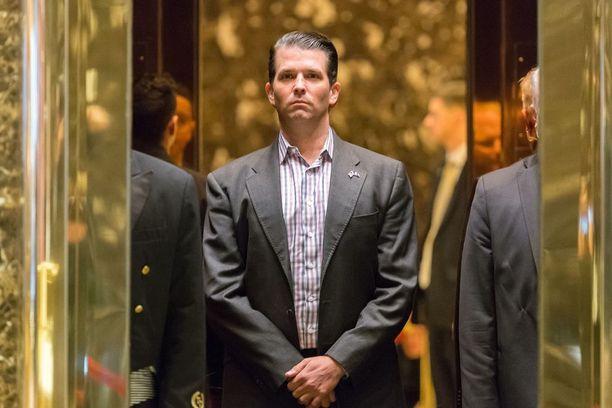 Donald Trump Jr. ei joudu tv-kameroiden eteen puhumaan tapaamisestaan venäläisasianajajan kanssa.