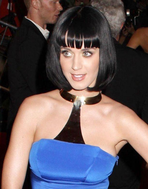 Isosisko on tärkeä tuki Katy Perrylle.