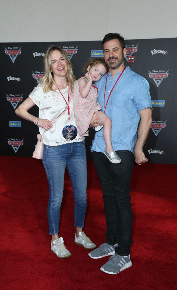Jimmy Kimmelillä on vaimonsa Mollyn kanssa myös vuonna 2014 syntynyt tyttö Jane.