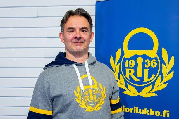 Mikael Kotkaniemi on sairastunut syöpään. Hän jättäytyy Lukon A-nuorten toiminnasta pois toviksi.