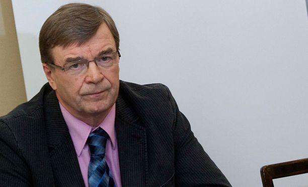 Keskustan kansanedustaja Timo Kalli on vahvoilla eduskuntaryhmän uudeksi puheenjohtajaksi.