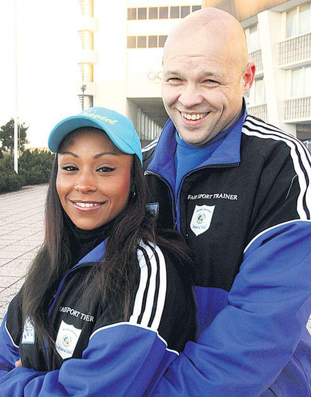 Rachel Kauppila ja Timo Virtanen ovat onnellinen pari.