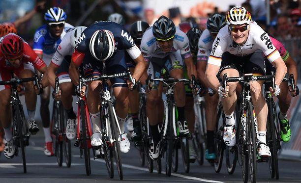 Andre Greipel kiri Giron kuudennen etapin voittoon.