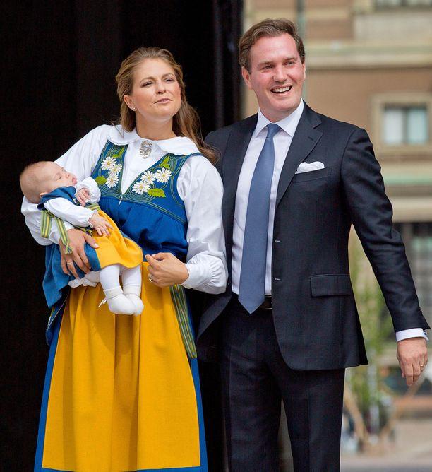 Madeleine ja Chris ovat olleet naimisissa kesästä 2013 lähtien. Heillä on kaksi lasta.