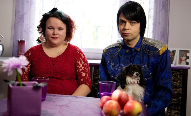 Miranna ja Jarkko jakoivat kritiikkiä saaneen rakkaustarinansa televisiokatsojille.