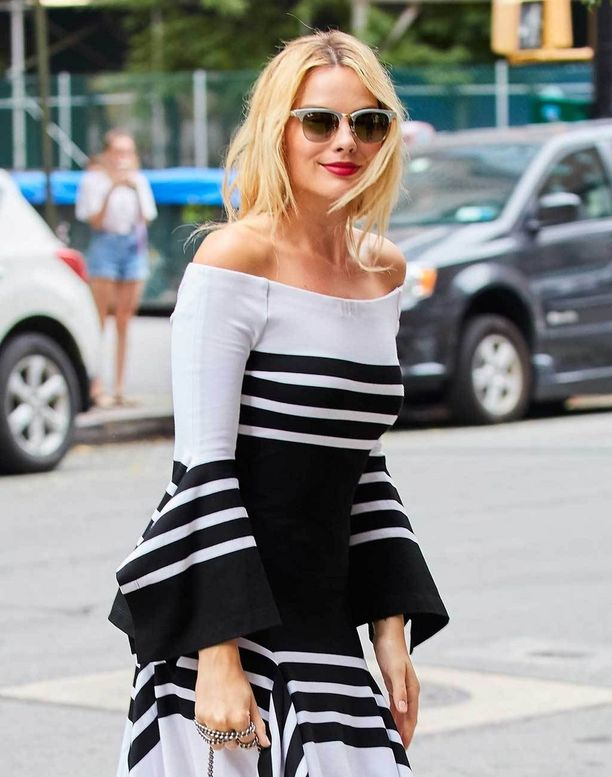 Margot Robbien blondista tukasta löytyy lämpöä.