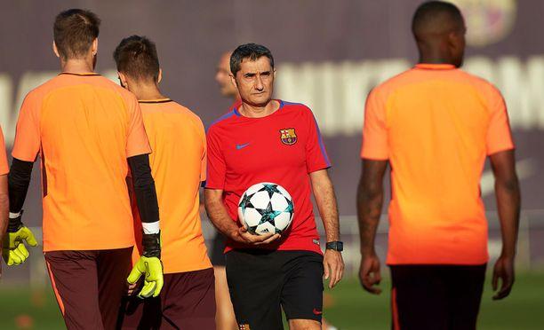 Ernesto Valverden Barcelona lähti joulutauolla yhdeksän pisteen sarjajohdossa. Yhden ottelun vähemmän pelannut Real Madrid kipuilee 14 pisteen takamatkalla.