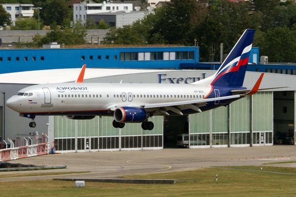 Hätälaskun tehnyt kone oli kuvassa näkyvän kaltainen Aeroflotin Boeing 737. Arkistokuva.