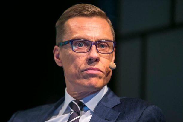 Alexander Stubbin johtama kokoomus on Ylen kyselyn mukaan pudonnut kolmanneksi suurimmaksi puolueeksi.