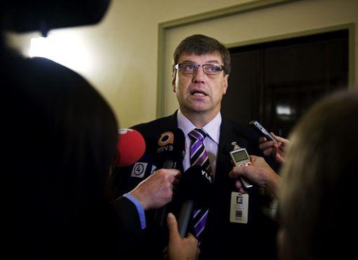 Valtakunnansyyttäjä Matti Nissinen ei tiistaina saapunut oikeuteen. Kuva eduskunnassa vuonna 2011.