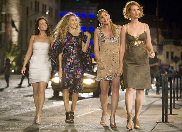 Ensimmäinen, vuonna 2008 valmistunut Sinkkuelämää-elokuva esitetään tänään Subilla. Se löytyy myös HBO Nordicilta.