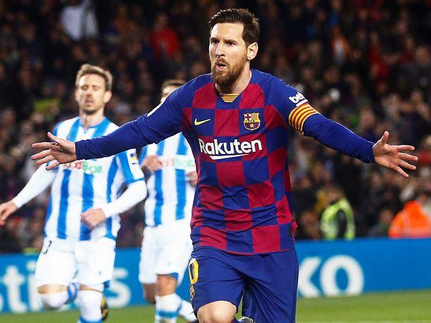 Maailmantähti Lionel Messin kipparoima Barcelona johtaa sarjaa kahdella pisteellä ennen kauden uudelleenkäynnistystä.