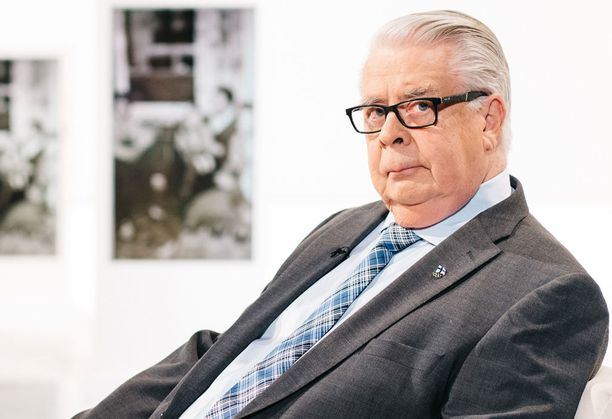 Kalervo Kummola kertoo ohjelmassa paitsi vuosistaan jääkiekon parissa, myös työstään tv-bisneksessä ja kulttuurin saralla.