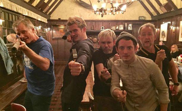 Näin hauska näyttelijäkaveruksilla on. Kuvassa Viggo Mortensen, Orlando Bloom, Dominic Monaghan, Elijah Wood ja Billy Boyd.