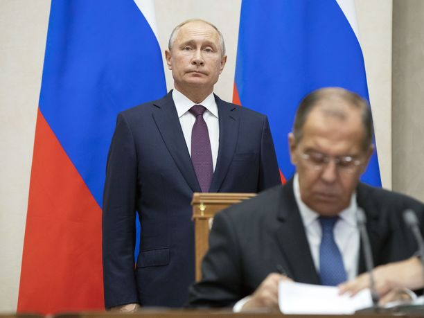 Vladimir Putin ei vieläkään ole Kim Jong-unia tavannut, toisin kuin ulkoministerinsä Sergei Lavrov.