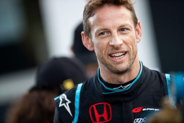 Jenson Button palaa auttamaan tallia, joka nosti hänet formula ykkösiin.