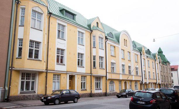 Salatut elämät -sarjaa on kuvattu muun muassa Helsingissä sijaitsevalla Huvilakadulla.