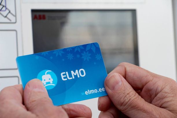 Latauskortti toimii kaikilla asemilla. Kortin voi ja siihen liittyvän käyttäjätilin voi tilata internetissä osoitteessa www.elmo.ee.