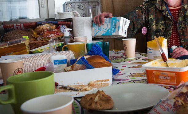 Vailla vakinaista asuntoa ry pitää huolen, että kodittomat saavat syödäkseen. Kuva yhdistyksen toimistolta.