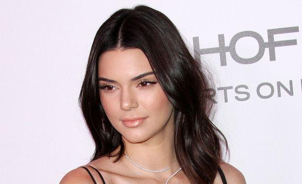 Kendall Jenner on viimeaikoina julkaissut itsestään yhä rohkeampia kuvia.