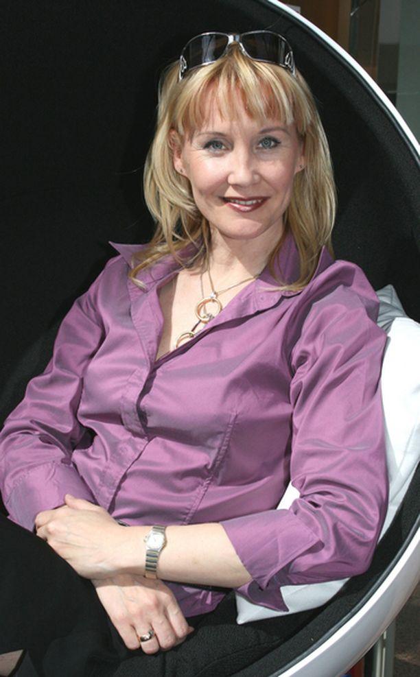 – Minä tavallaan palaan tämän firman kanssa juurilleni eli yrittäjäksi, sanoo Marjukka Karttunen, joka ennen poliitikon uraansa toimi muun muassa puutarha-alan yrittäjänä.
