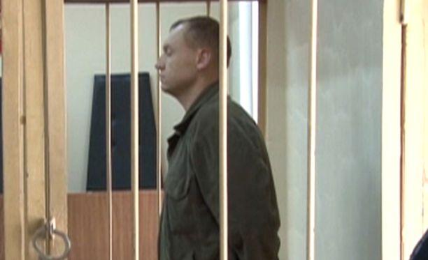 Eston Kohver Venäjällä oikeudenkäynnissä. Kuva otettu videokuvasta syyskuussa 2014.